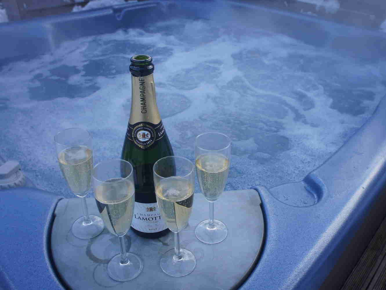 champagne jacuzzi
