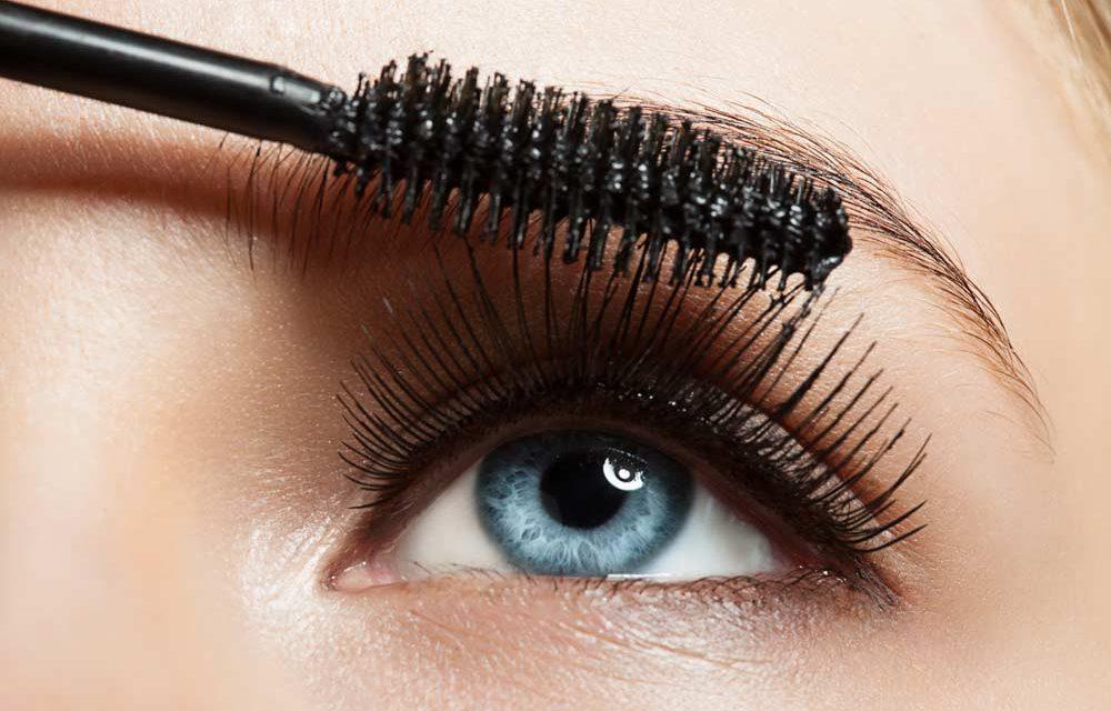 Hoe kun je het beste mascara aanbrengen?